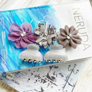 STATEMENT EMBELLISHED MINI FLOWER HAIR CLIPS